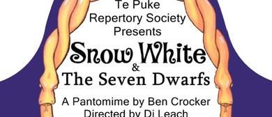 Snow White & The Seven Dwarfs Pantomime