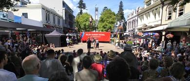 Nelson Buskers Festival - Buskers On Trafalgar