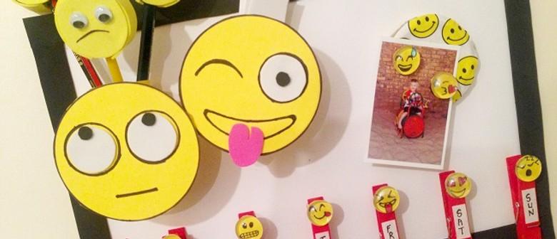 Emoji Desk organiser with Ricki Meaker (RMH2-6)