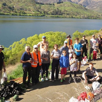 Community Native Planting Day - Lake Hayes West Shore