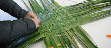 Make Your Own Shopping Bag Out of Harakeke - NZ Flax