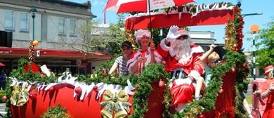 Cambridge New World Christmas Parade