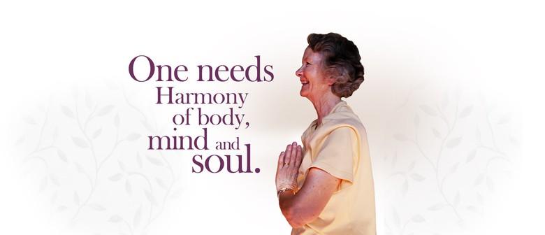 Gentle Yoga Class Suitable for Seniors