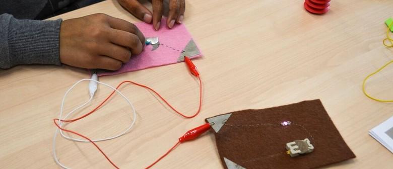 Plug and Play (E-Textile Intermediate Level): CANCELLED