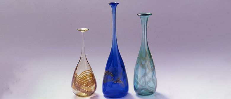 Light Fall: Studio Glass from the Dowse Collection