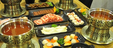 Authentic Chinese Hotpot Dining Experience