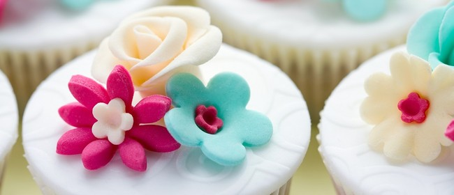 Cake Decorating - Modelling with Fondant and Sugar Paste