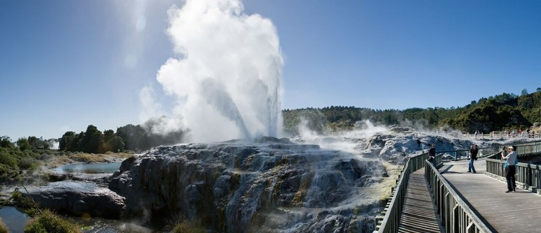 2 Day Guided Tour to Rotorua & Waitomo