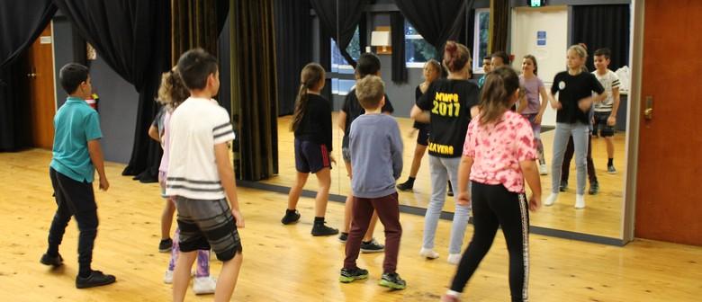 Intermediate Dance with Hayley Tekahika
