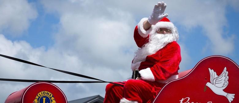 A Very Palmy Christmas - Christmas Parade