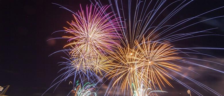 Season Finale – Fireworks
