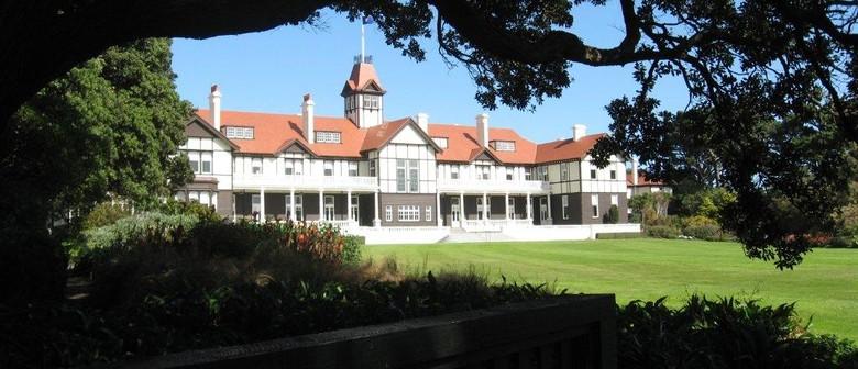 Garden tour - Government House Wellington