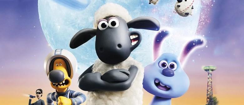 Smales Farm Free Outdoor Movies: Farmageddon