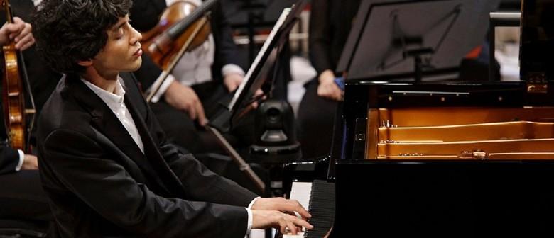 Jun Bouterey-Ishido (Piano) and Matilde Loureiro (Violin)