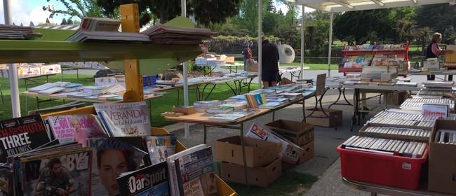 Hokomanga Pukapuka - Book sale