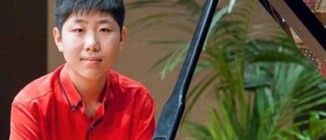 Lixin Zhang (Piano)