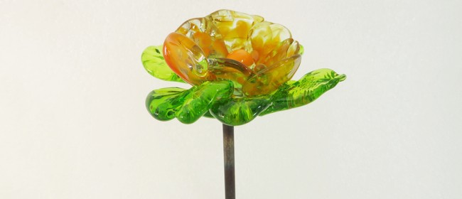 Hot Glass Sculpting With Flowers And Leaves