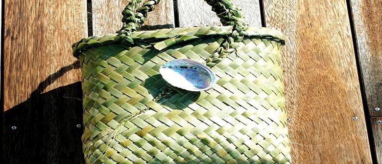 Harakeke NZ Flax Weaving Kete Whiri Workshop