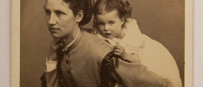 The Victorian Album, the Feminine and the Personal