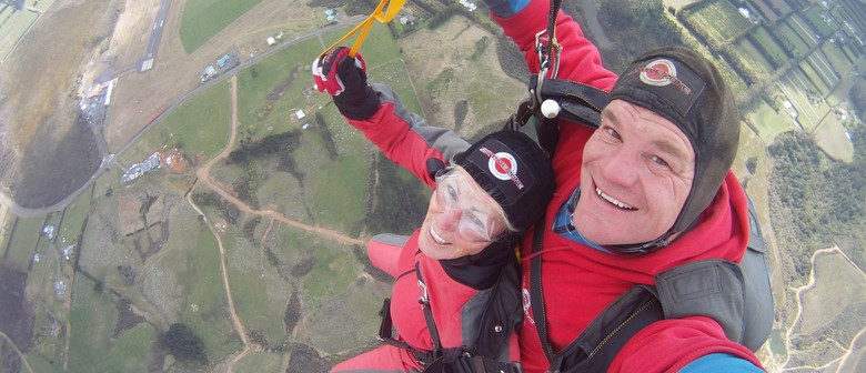 On Target for 10 Mattresses - Skydive Marathon