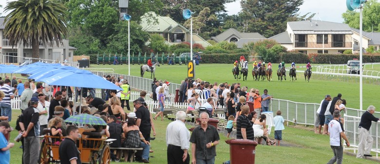 Ricoh Feilding Gold Cup Day