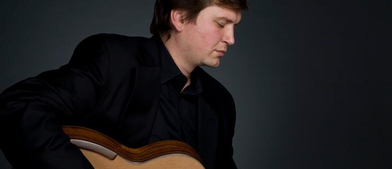 Alex Tsiboulski in concert