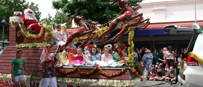Rangiora Toyota Santa Parade