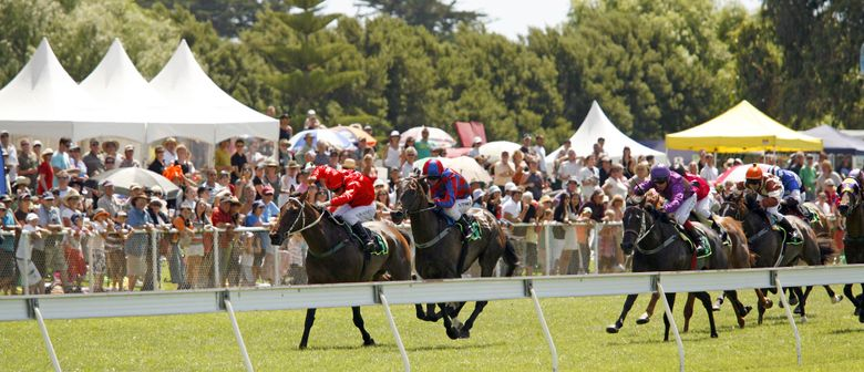 Interislander Summer Festival Otaki Races