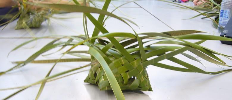 Raranga - Weaving with Harakeke Flax