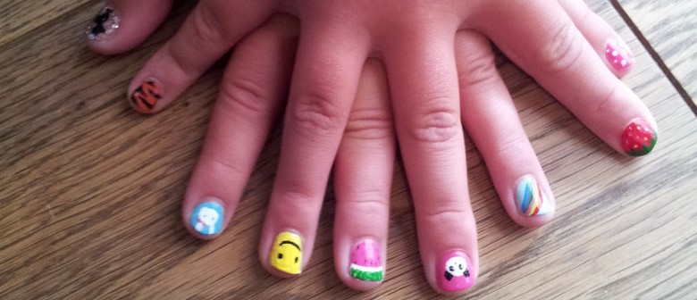 Nail Art Holiday Fun for Girls 5 – 13 Years