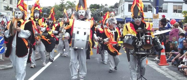 Mairangi Bay Village Santa Parade