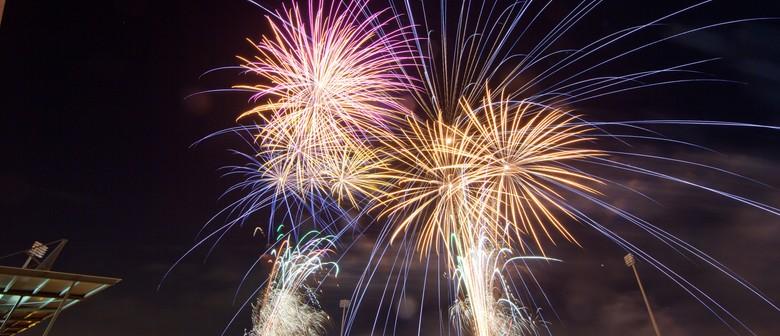 Baypark Speedway - Fireworks Extravaganza