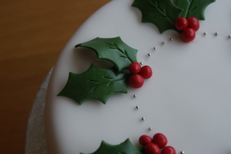 Christmas Cake Decorations.Christmas Cake Decorating