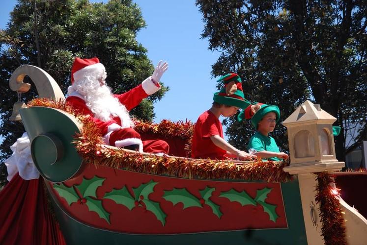 Johnsonville christmas parade capital christmas for 125 the terrace wellington