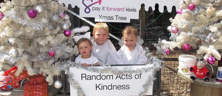 Pay it forward - Kiwi Xmas tree