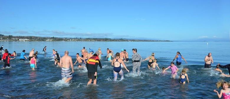 Mid-winter Swim - Taupo Winter Festival 2016