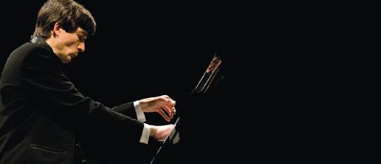 Shamray Plays Rachmaninov