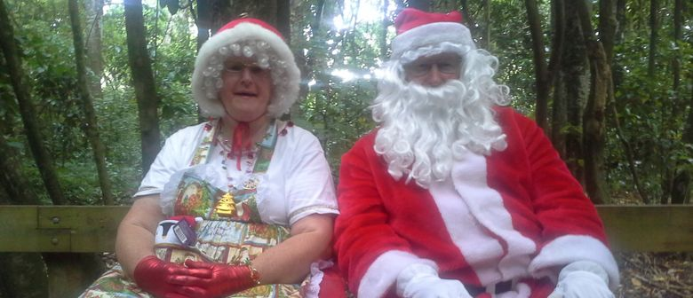 Mother and Father Christmas Visit the Esplanade Railway