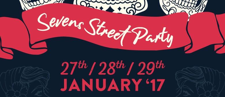 Mishmosh & Sassy Loves Cash: Seven's Street Party