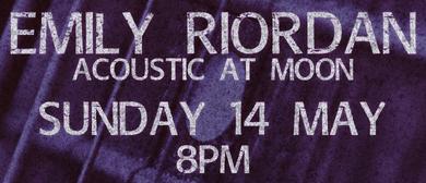 Emily Riordan - Acoustic at Moon