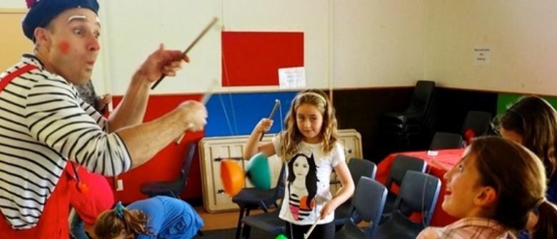 Ngahuru : Atelier de Cirque – Circus Training (8-13 yrs)