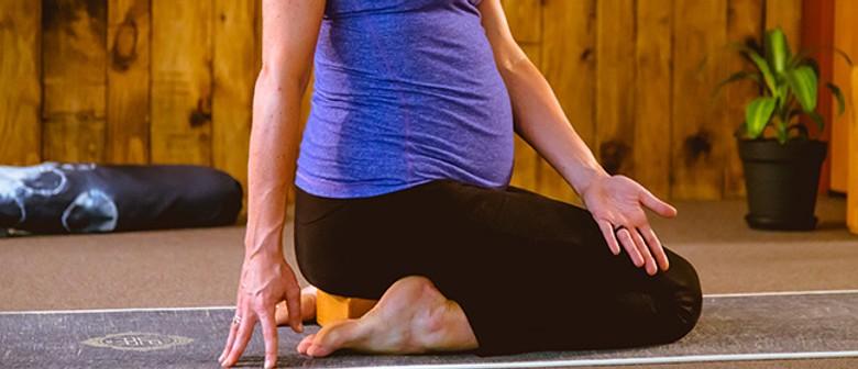 Move Body Mind - Pregnancy Yoga Course