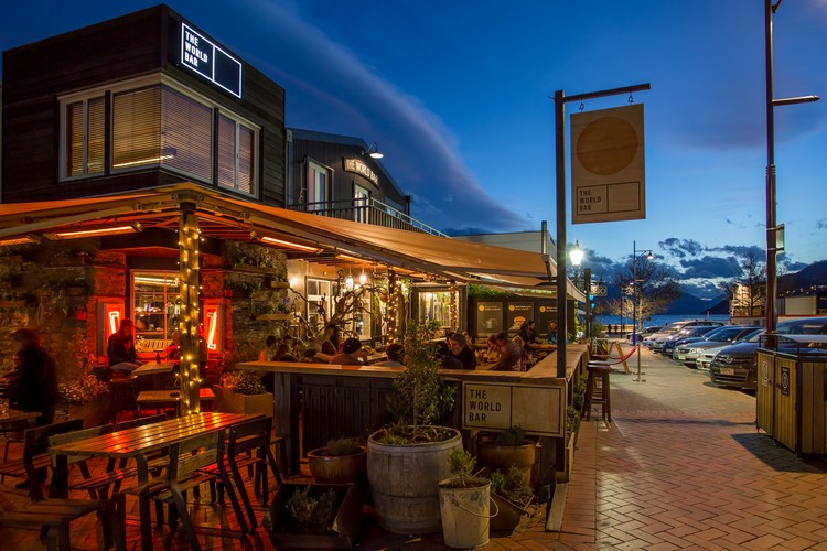 The world bar queenstown eventfinda for Bar food queenstown
